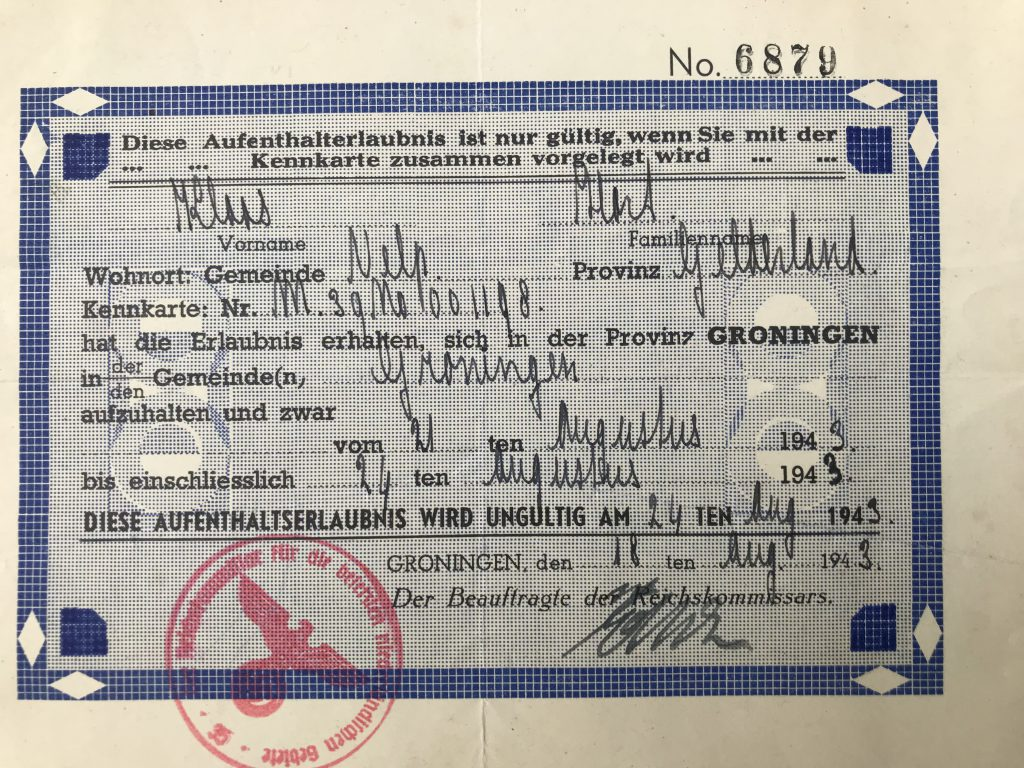 Permission to travel from Velp in Gelderland to Groningen between August 21-24, 1943. German.
